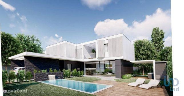 Moradia - 260 m² - T4