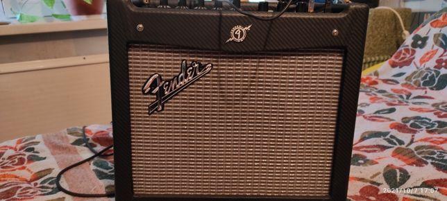 Гитарный комбик Fender Mustang-1