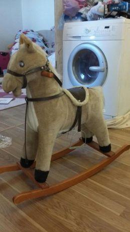 Лошадь качалка интерактивная