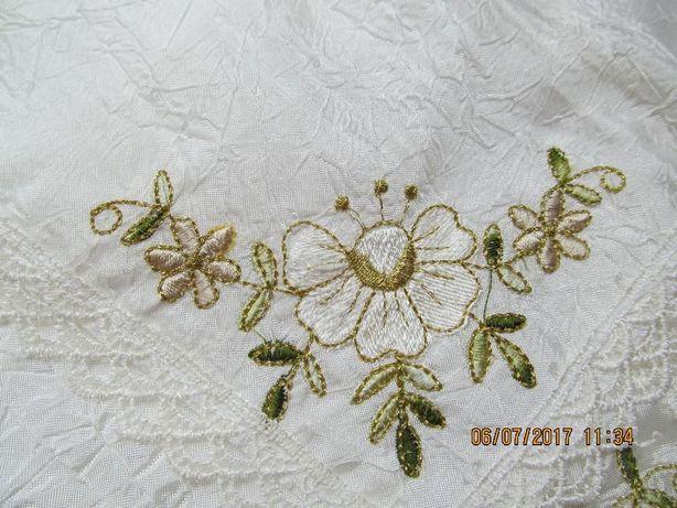 Салфетки с кружевом и вышивкой (для гостей)