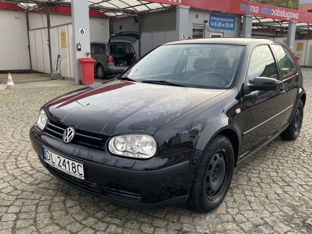Volkswagen Golf 4 benzyna z klimatyzacja