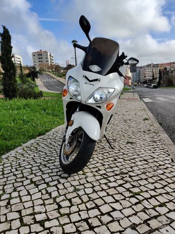 Scooter Moto eléctrica 100km