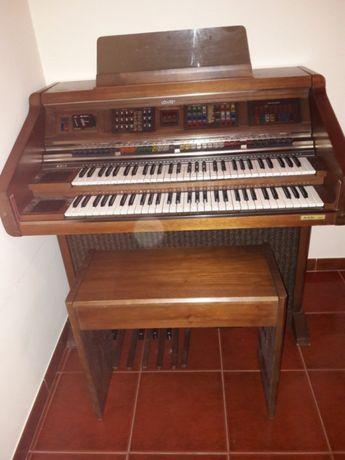 Órgão Lowrey musical