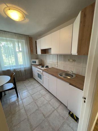 Квартира трех комнатная. Севастопольская площадь.