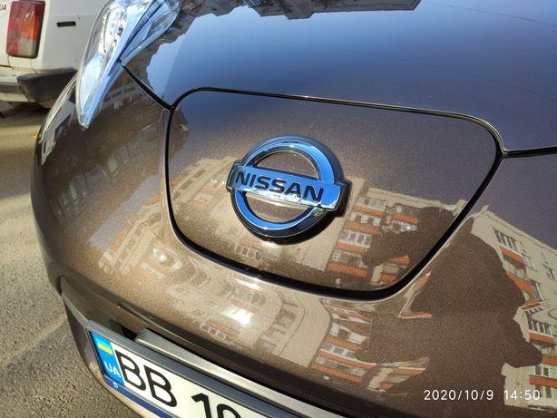 Nissan Leaf SV + Premium Package