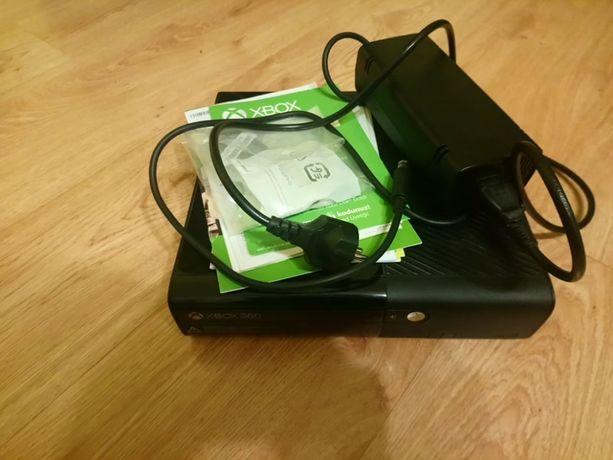 Kinect+Konsola Xbox 360+Słuchawki