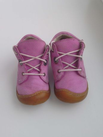 Детские кожаные ботинки на девочку.