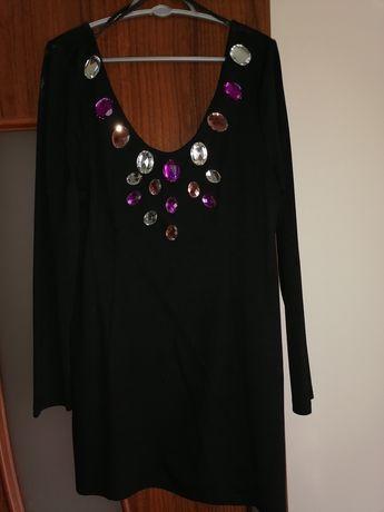 Sukienka kamienie