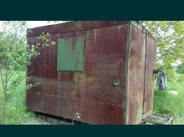 Металічна будка на санях