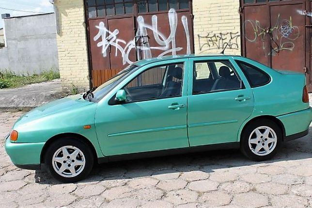 VW Polo sedan 1,6 8v , 1999rok , /cały na części/