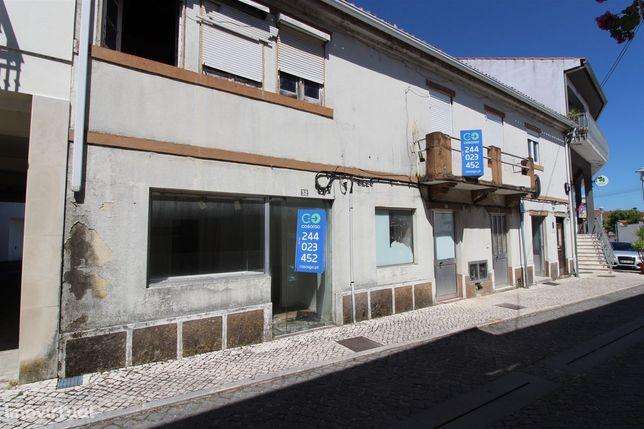 Prédio para remodelar, com projeto - Louriçal, Pombal