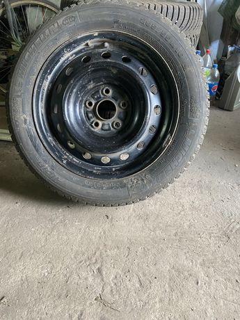 Диски 16/205/60 с резиной с тойоты корола 2008
