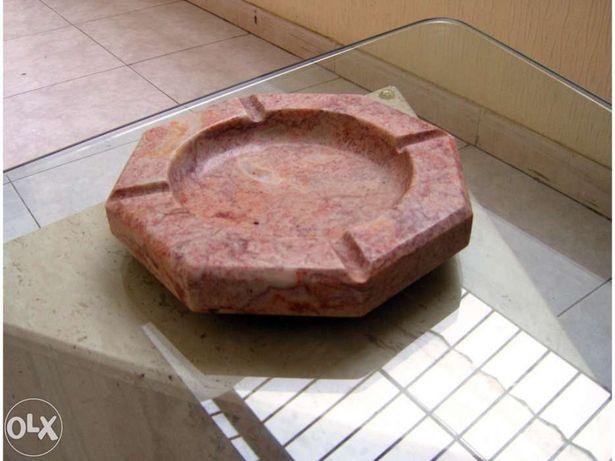 Cinzeiro em pedra