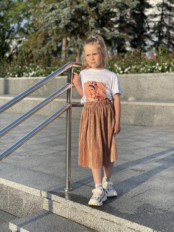 Юбки плиссе и футболка с девочкой в размерах от 104 до 146
