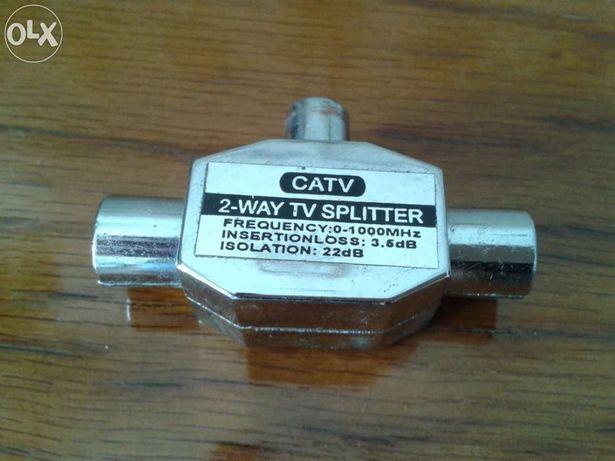 Repartidor / Splitter Sinal TV Metálico Blindado 1M (IN) / 2F (OUT)