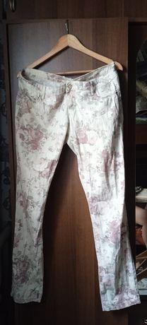 Штаны с цветочным рисунком
