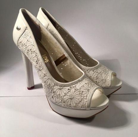 Buty ślubne na obcasie Love Moschino Peeptoe [39]