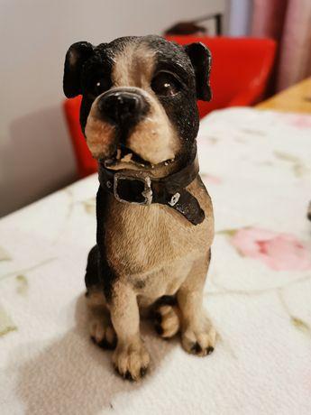Śliczny figurka psa
