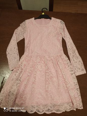 Sukienka koronkowa elegancka różowa
