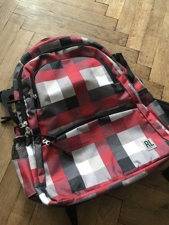 Новый портфель в школу