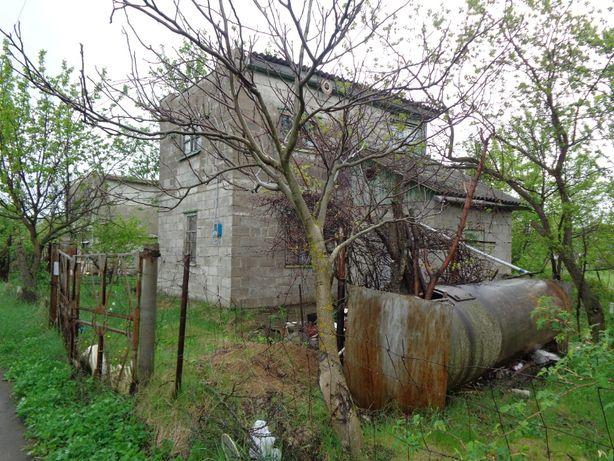 Смежные дачные участки +домик в России.