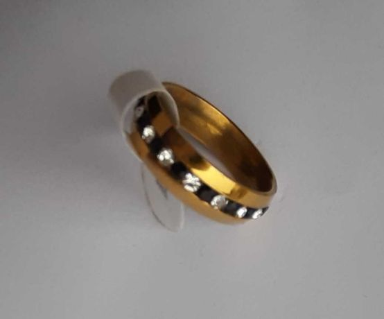 Pierścionek obrączka złota cyrkonie srebrne czarne stal chirurgiczna