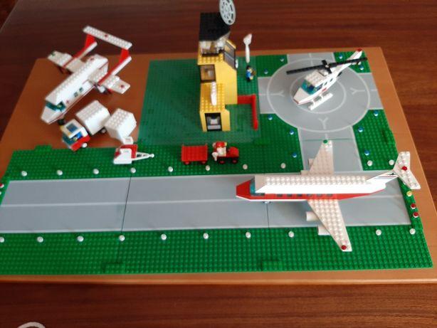 Conjunto legos aeroporto  e avião ambulância