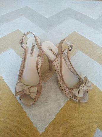 Sandałki na szpilce