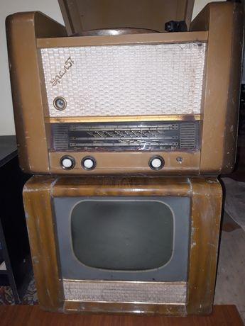 Стареньку відіодвойку радіо