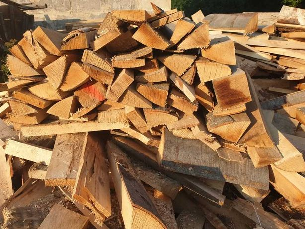 Drzewo drewno kominkowe opałowe twarde bukowe opał pocięte okrajki