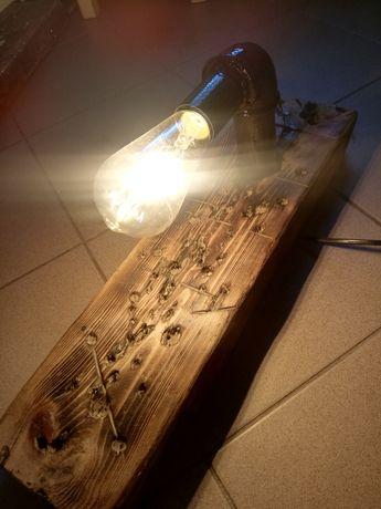 Lampa ozdobna z drewna