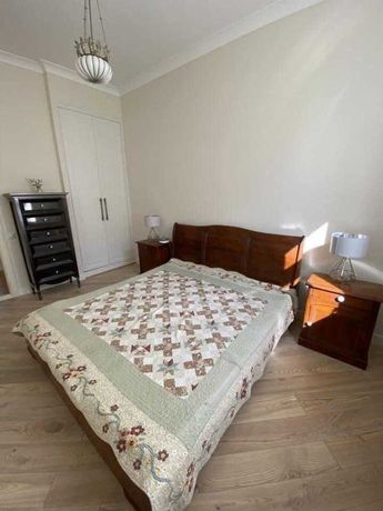 Продается комплект для спальни Италия дуб: шкаф, кровать 2.00|1.80.