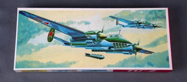 Сборная модель самолета TU-2 (PLASTICART, ГДР)