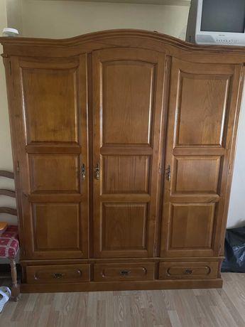 Roupeiro de 3 portas, com espelho e gavetas, como novo - 250 euros