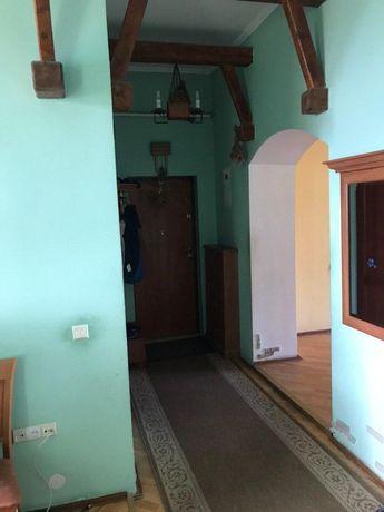 Продається квартира в центрі міста Дрогобич 102,9кв вул.Шевченка 37