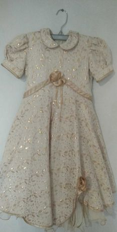Продам сукню на зріст 128см