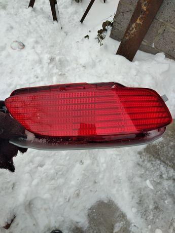 Отражатель бампера Lexus