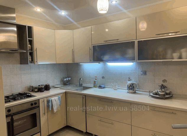 Продаж 3-х кімнатної квартири по вулиці Шафарика / LK