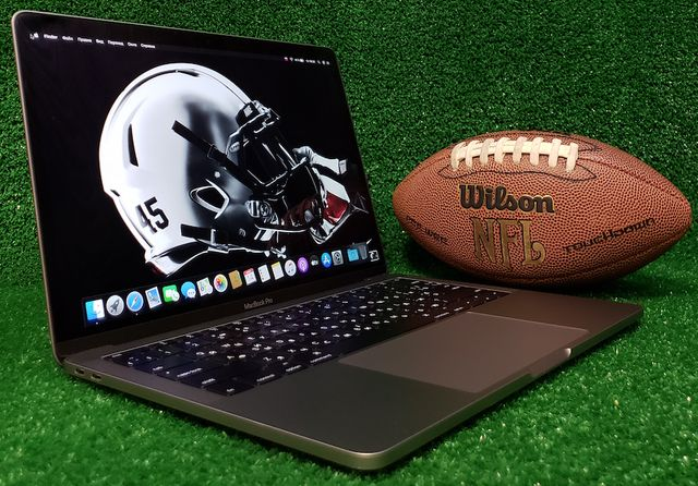 Ноутбук MacBook Pro 13'' MLL42 2016 i5 / 8 GB / SSD 256 / КРЕДИТ 0%!