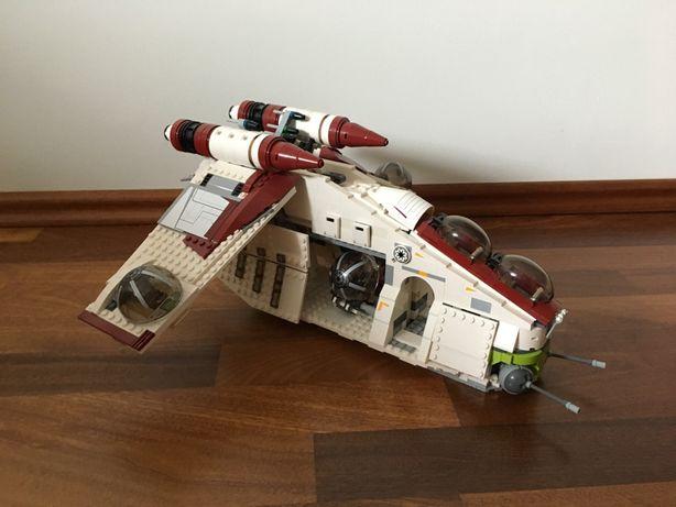 Sprzedam zestaw Lego Star Wars Kanonierka Republiki