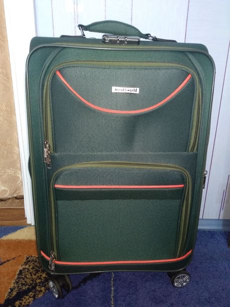Продам чемодан,650