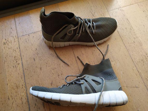 Tênis bota verdes