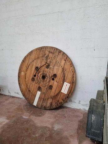 Tampo de mesa em madeira