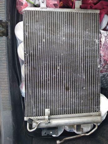 Радиатор кондиционера w168. Отличное состояние