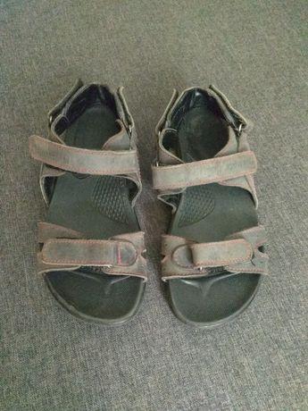 Продам сандалі на хлопчика шкіряні