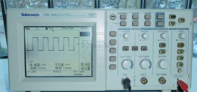 Цифровой запоминающий осциллограф Tektronix TDS1012