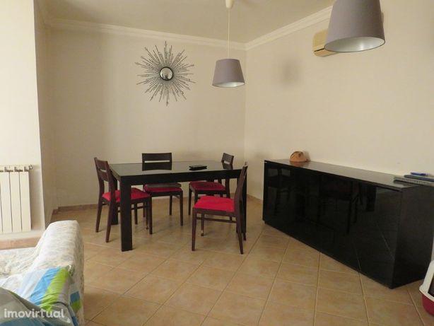 Apartamento T4 em Beja com lugar de estacionamento Quinta...