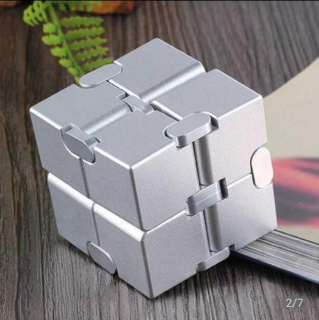 Куб бесконечности, куб Infiniti