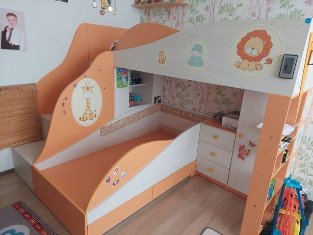 двухъярусная кровать ліжко чердак в очень хорошем состоянии