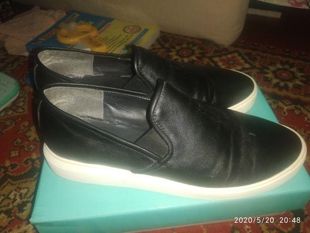 Туфли женские, слипоны.